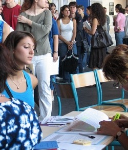 formation apb-admission-postbac APB - Comment s'inscrire à la fac Admission Post-Bac : les trucs et astuces pour s'inscrire à l'université ! inscription a la fac, comment s'inscrire à la fac, inscription en licence, s'inscrire en licence a la fac sur apb, admission post bac, inscription post bac université en france