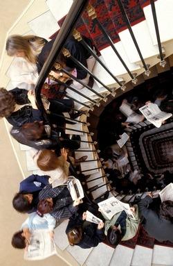 trouver un studio paris un vrai chemin de croix se loger le parisien etudiant. Black Bedroom Furniture Sets. Home Design Ideas