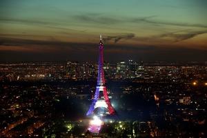 Paris metro juillet 2016 petit seins en poire - 2 5