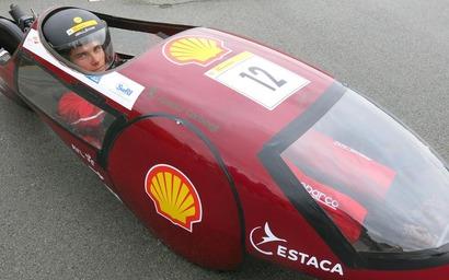 Ecole d'ingénieurs. Les étudiants de l'Estaca présentent leurs bolides à l'autodrome