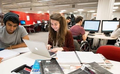 Digital. Une université privée de réseaux sociaux